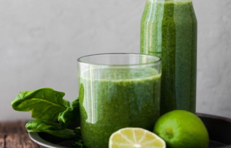 Sensação de corpo inchado? Este é o suco natural com 5 ingredientes que você deve tomar