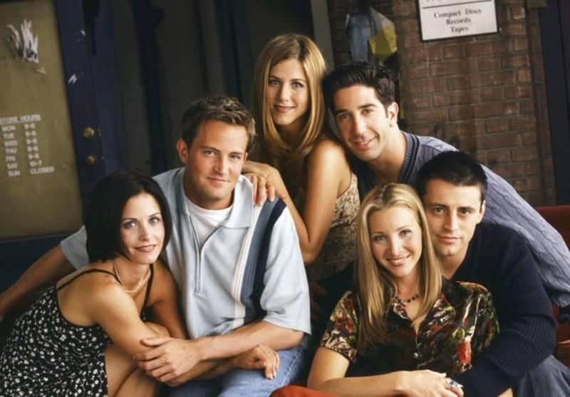 Friends: Este é o ritual que os atores seguiam antes de gravar cada episódio e que quase todos os fãs desconhecem