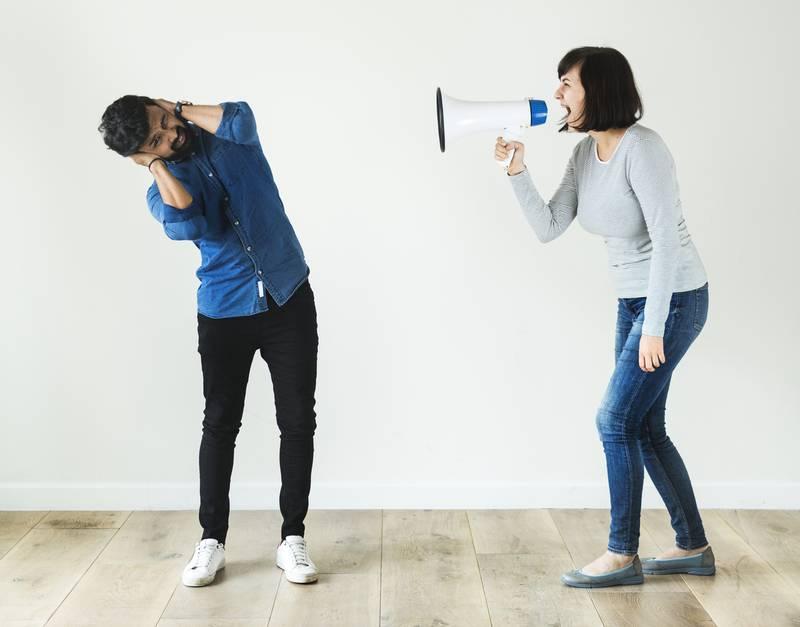 Mulher diz que o marido é infantil por ter uma irritante 'linguagem inventada'