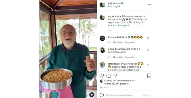 Ator Ary Fontoura comemorou os 2,9 milhões de seguidores no Instagram