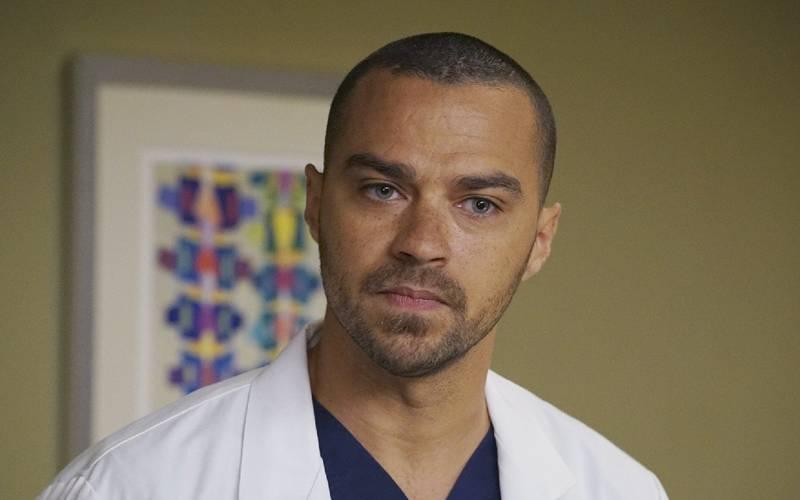 Jesse Williams, ex-Grey's Anatomy, aparece irreconhecível com novo visual para comercial