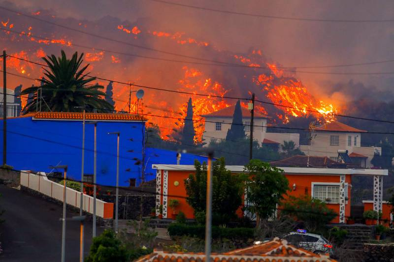 Erupção vulcânica teve início no último domingo